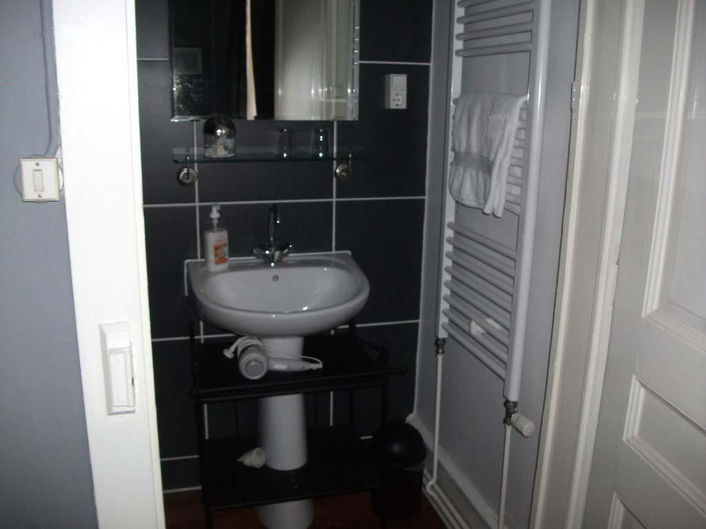 Grijze kamer 6 la mirabelle - Blauwe en grijze jongens kamer ...